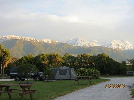 Kaikoura Top 10 Holiday Park: Vista desde nuestra parcela