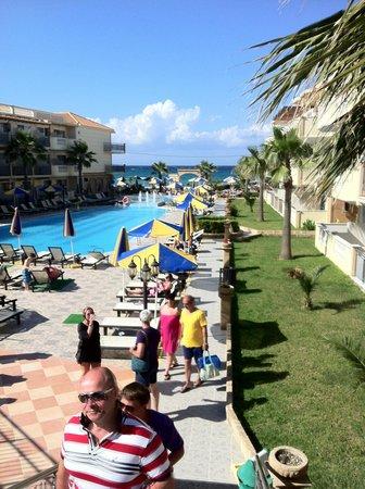 Zante Maris Hotel: отель днем