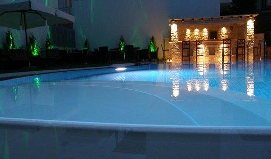 Anna Platanou Hotel & Suites