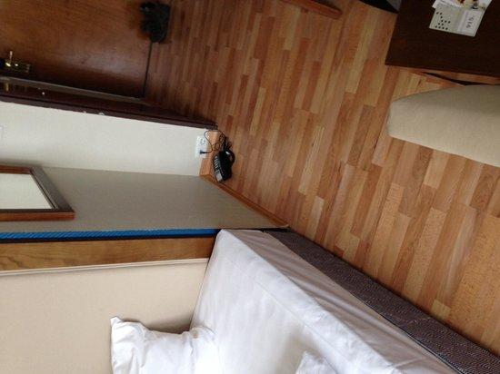 Nordic Hotel Astor: Comodino