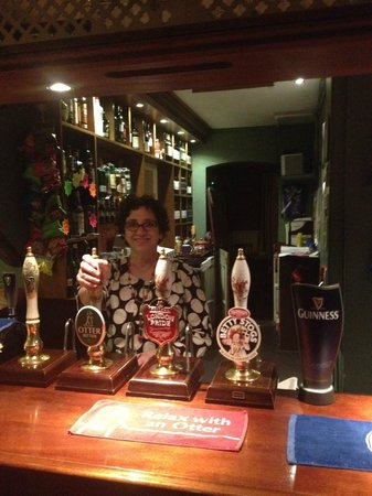 The Elsted Inn: Lisa at the Taps