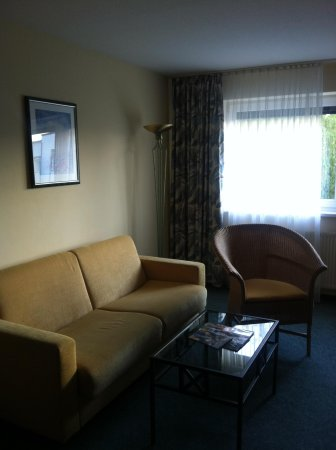 Suite Hotel Leipzig: Living room