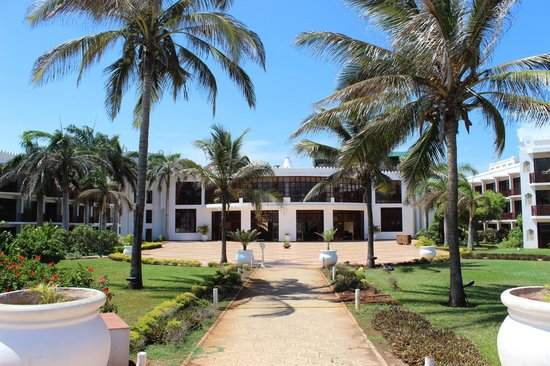 Golden Tulip Dar Es Salaam : Hotel view