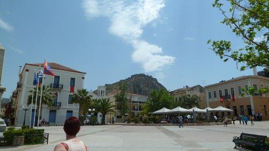 Vasilis Hotel: Main Square looking up at Palimidi