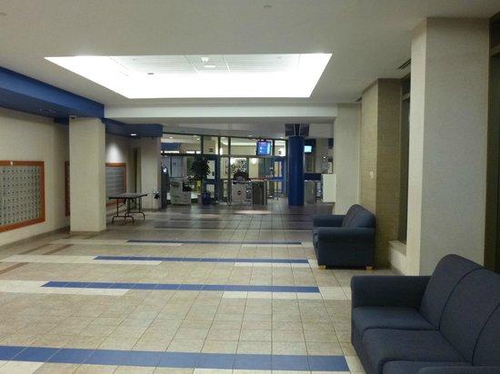 University of Ottawa Residences: Lobby