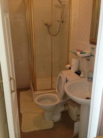 Sarnia Guest House: Room 10 bathroom
