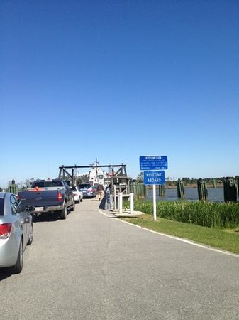 Carawan's Motel and Cabins: Swanquarter Ferry to Ocracoke