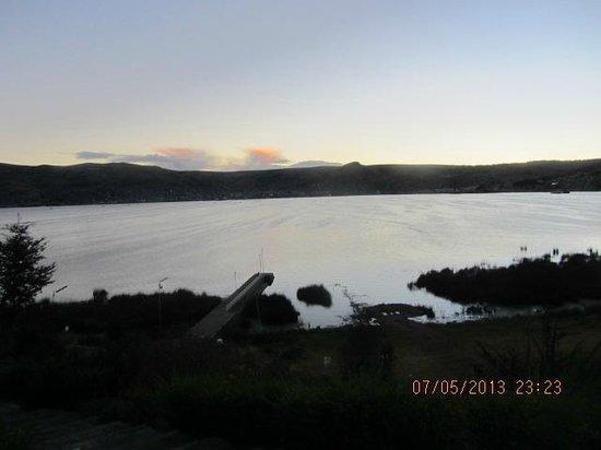 Libertador Lake Titicaca: Titicacasee bei Abenddämmerung