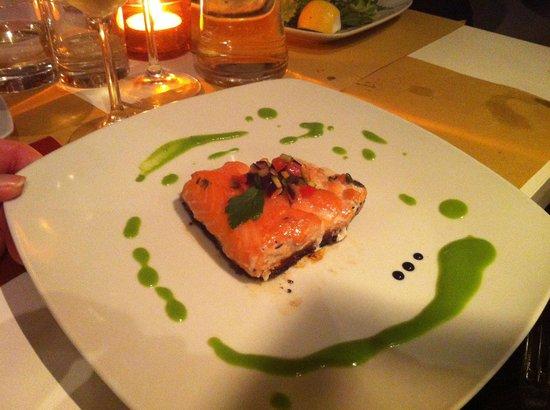 Salmone a metà cottura - Foto di La Cucina, Modena - TripAdvisor