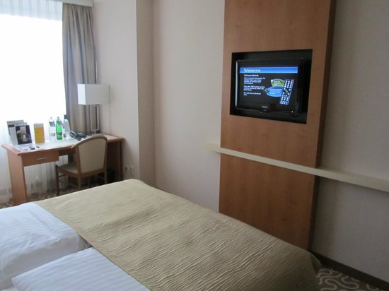 Orea Hotel Pyramida: tv