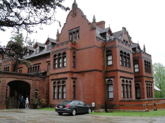 Ventfort Hall Mansion and Gilded Age Museum: Entrance