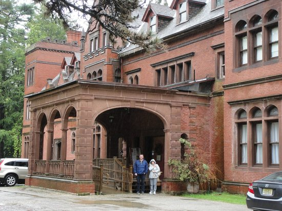 Ventfort Hall Mansion and Gilded Age Museum: Main entrance