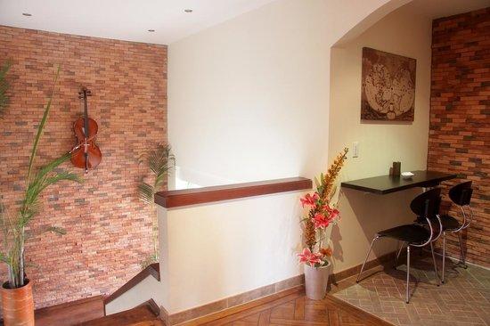 6 Suites: centro de negocios