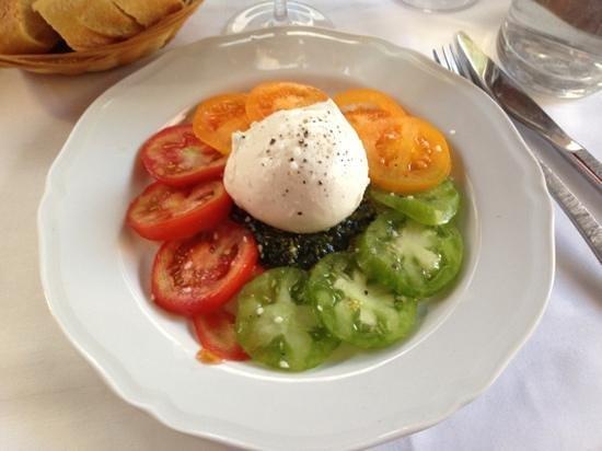 Le 7 Place: tomates burrata et pesto