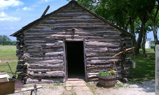Little House on the Prairie Museum: Ingalls home exterior