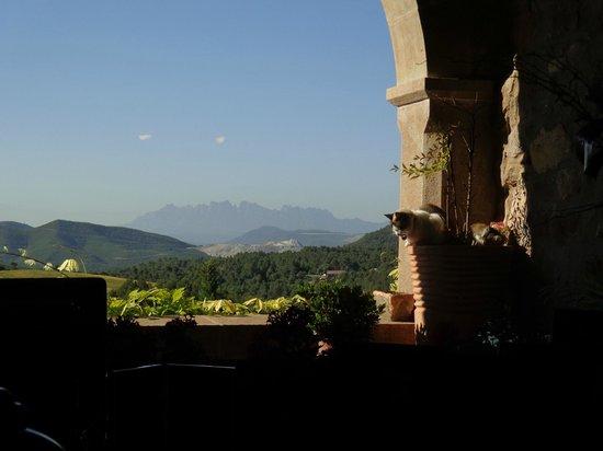 La Garriga de Castelladral: View from the breakfast room: Montserrat and cats....