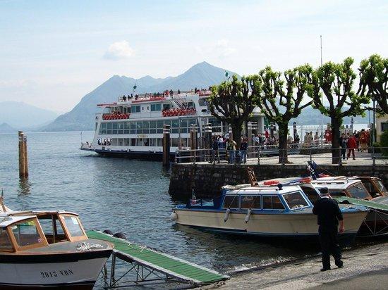 Hotel Alpi : il vicino imbarcadero sul lago
