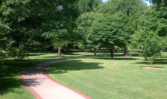 Tulsa Historical Society & Museum : Tulsa Historical Society Gardens