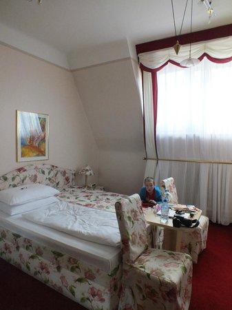 Hotel Schweizerhof: bedroom