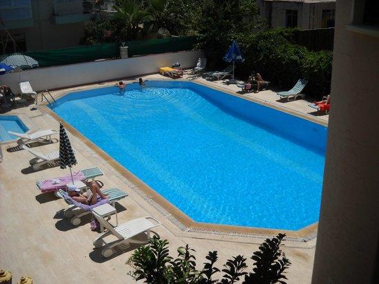 Seven Stars Exclusive Hotel: piscina vista do quarto