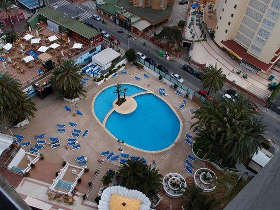 Hotel Marina Resort Benidorm : buena piscina