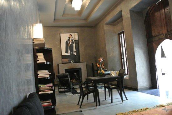Villa Makassar: Art Deco Design
