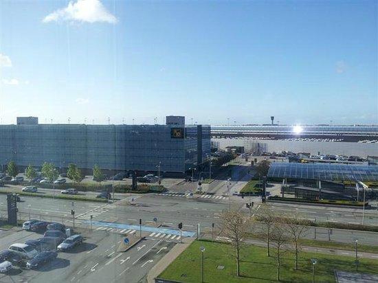 Hilton Copenhagen Airport: View of Airport