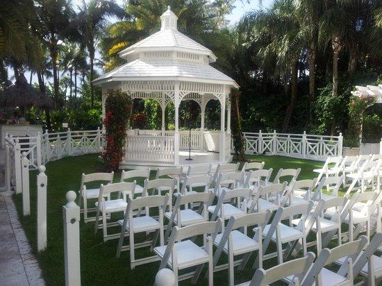 The Palms Hotel & Spa: glorieta para bodas