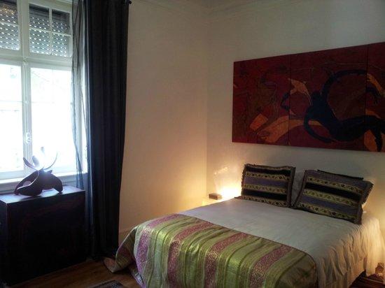 Whatever Art Bed & Breakfast: double bedroom