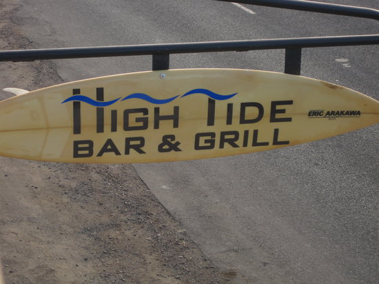 High Tide Bar & Grill: Sign