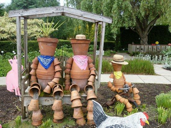 Oregon Garden Resort: Entrance to Children's Garden