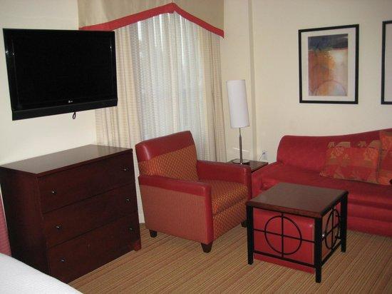 Residence Inn Long Beach Downtown: Room interior