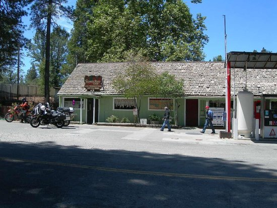 Triangle Road Cafe: cafe on left & store on right