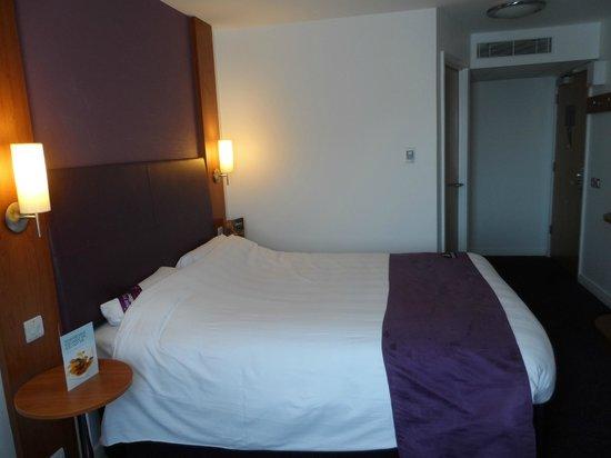 Premier Inn Dorchester Hotel: Room