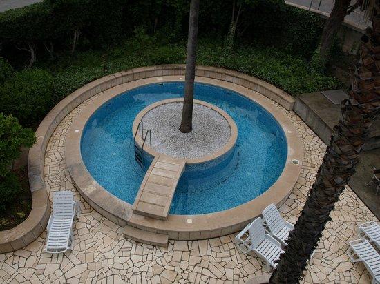Pool Villa More