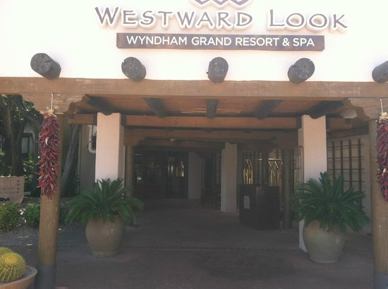Westward Look Wyndham Grand Resort and Spa: Entrance to Lobby
