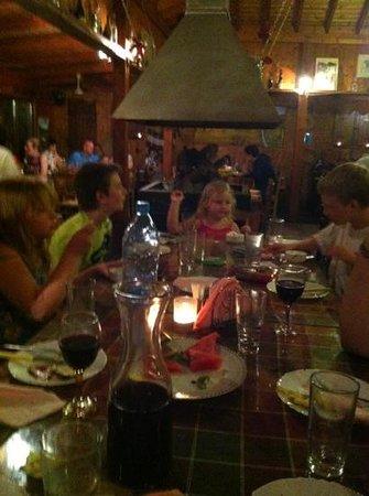 Costa's Koloni Tavern Aufnahme