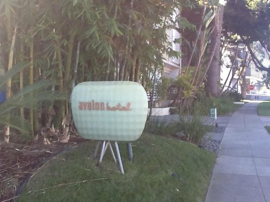 Avalon Hotel Beverly Hills: You can miss this sign because the hotel is in a residential area