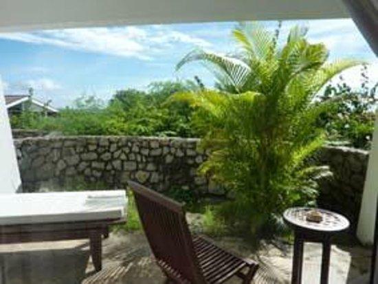 Bliss Hotel Seychelles: Zimmer Nr. 12: Sitzplatz mit Meersicht
