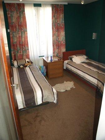 Halvat Guesthouse: Twin bedroom - Halvat