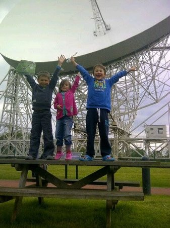 Jodrell Bank Discovery Centre: Kids and The Lovell Telescope
