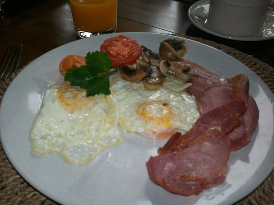 Clonalis House: Delicious cooked breakfast...fresh fruit and cereals and juices and home made breads, too!