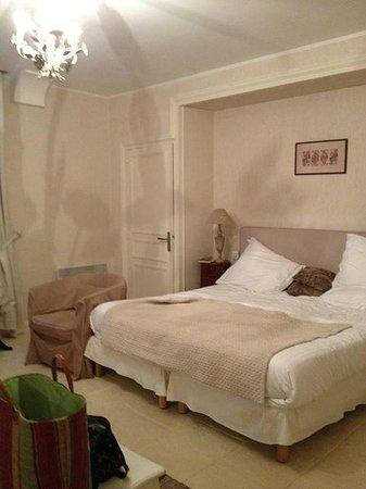 Auberge du Bon Laboureur: notre lit king size
