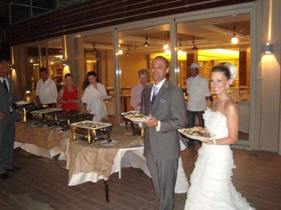 Belle Helene: Casamento na área aberta do hotel