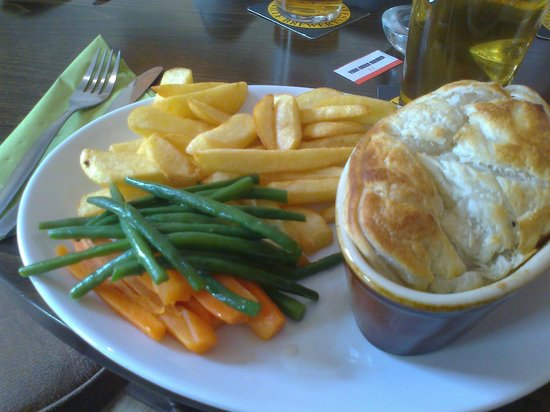 The Station Inn: steak and ale pie