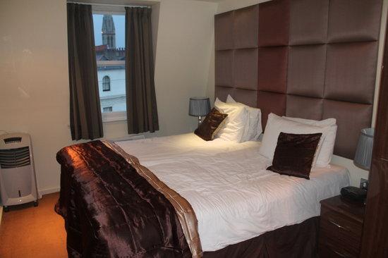 Grand Plaza Serviced Apartments: Bedroom