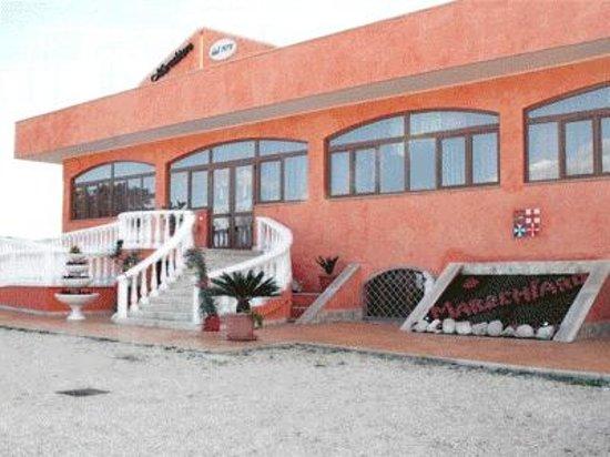 Restaurant and Pizza Marechiaro : Ristorante esterno