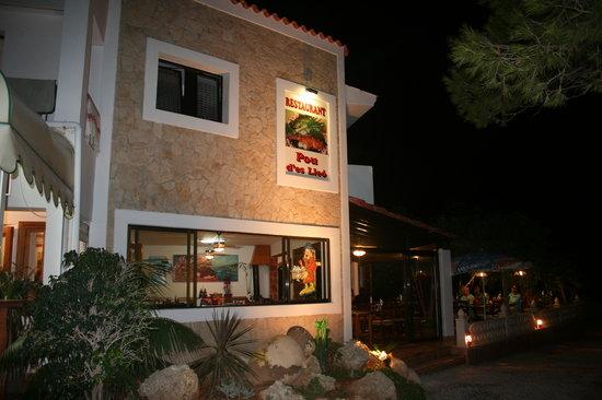 Hostal Restaurante Pou des Lleo
