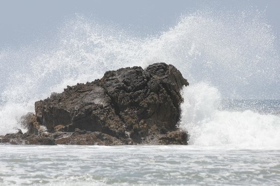 Leo Carrillo State Park and Beach: Breaking waves at beach.