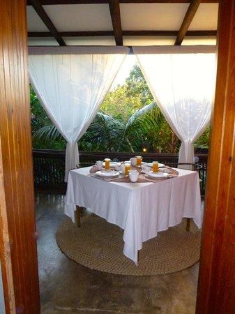 Dar Amane Guest Lodge: la terrasse et petit déjeuner...